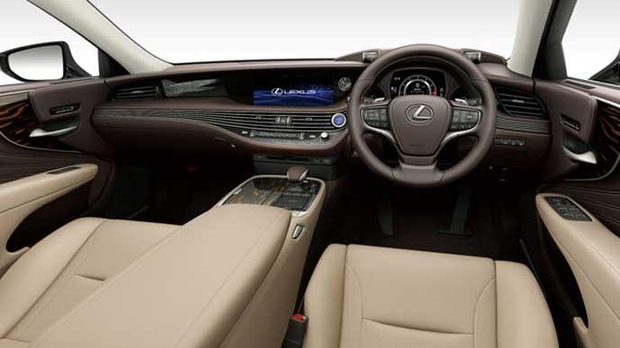 レクサス新型LSの内装色 本革とセミアニリン本革 アイボリーのフロントシート