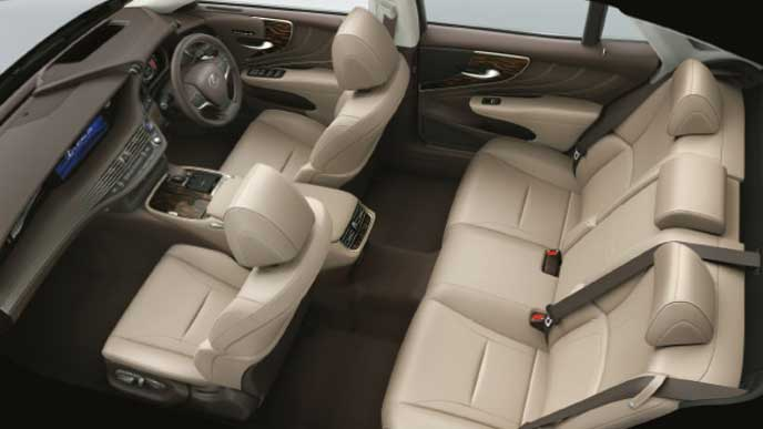レクサス新型LSの内装色 本革とセミアニリン本革 アイボリー