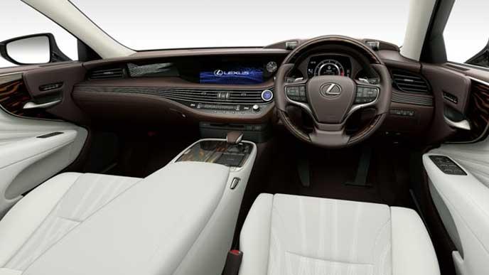 レクサス新型LSの内装色 セミアニリン本革 ホワイトのフロントシート