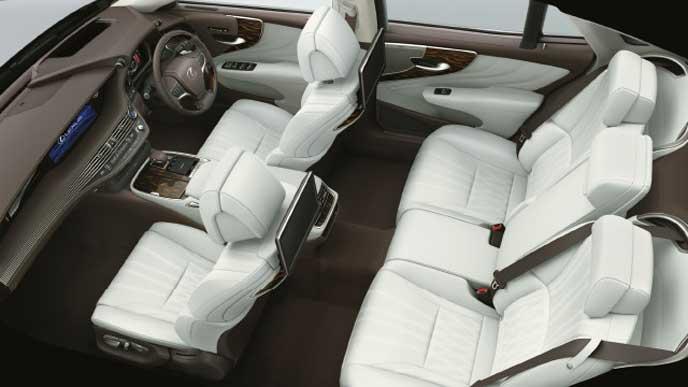 レクサス新型LSの内装色 セミアニリン本革 ホワイト