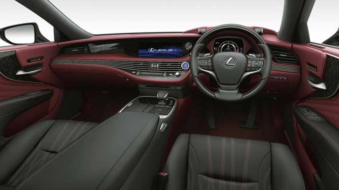 レクサス新型LSの内装色 セミアニリン本革 クリムゾン&ブラックのフロントシート