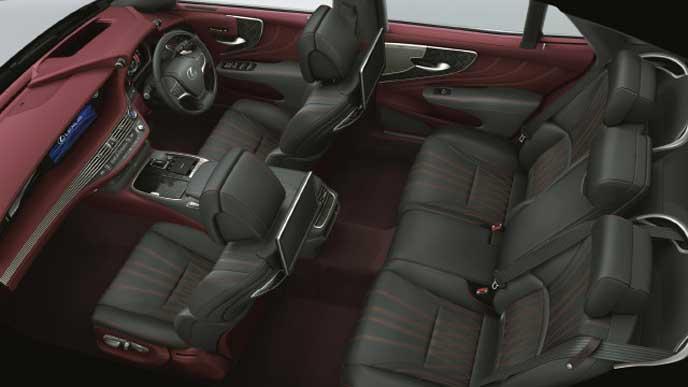 レクサス新型LSの内装色 セミアニリン本革 クリムゾン&ブラック
