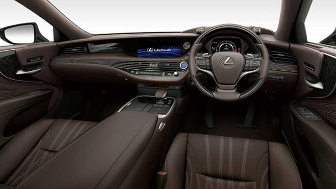 レクサス新型LSの内装色 セミアニリン本革 ノーブルブラウンのフロントシート