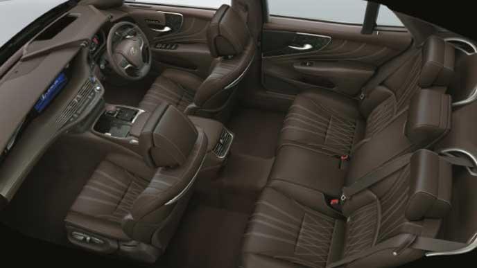 レクサス新型LSの内装色 セミアニリン本革 ノーブルブラウン