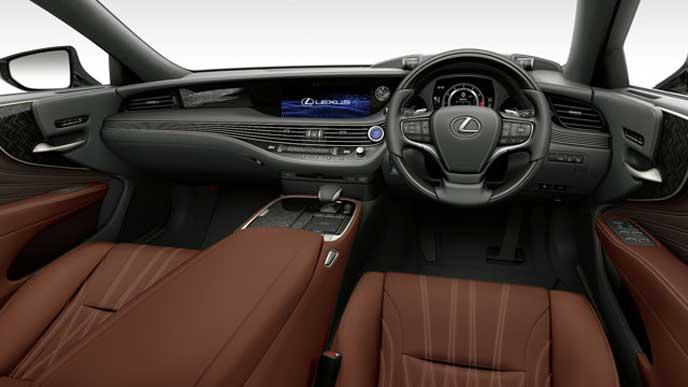 レクサス新型LSの内装色 L-ANILINE本革 ブラウンのフロントシート