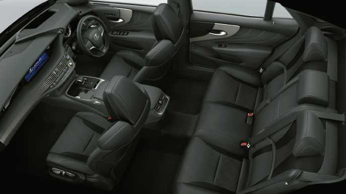 レクサス新型LSの内装色 ウルトラスエード ブラック&ホワイトグレー