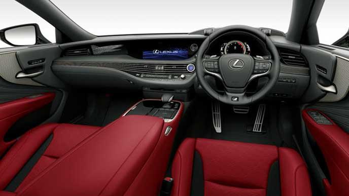 レクサス新型LSの内装色 ウルトラスエード フレアレッドのフロントシート