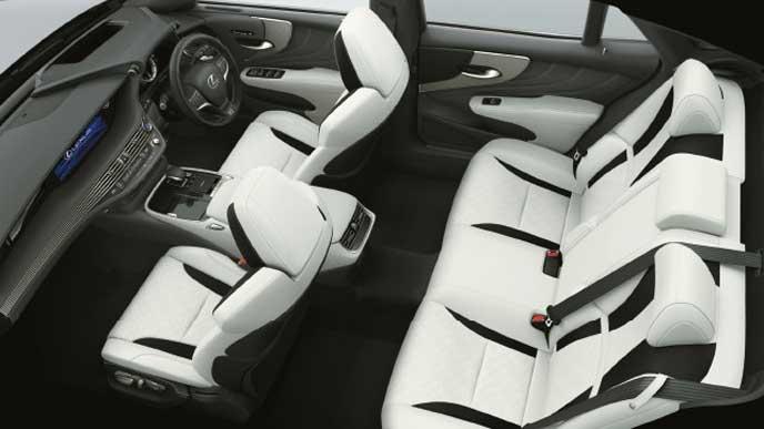 レクサス新型LSの内装色 ウルトラスエード ホワイト