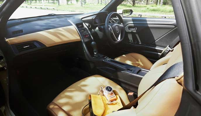 S660コモレビ エディションの内装