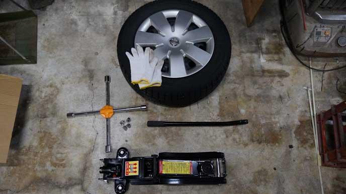 タイヤ交換の道具