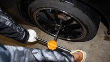 タイヤ交換の方法は意外とカンタン!安全に取り換える7ステップ