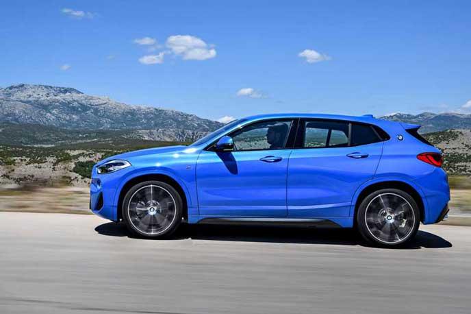 BMW新型X2のサイドビュー