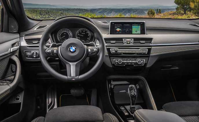 BMW新型X2のインパネ