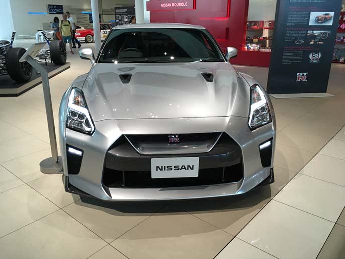 新型GT-Rのフロントビュー