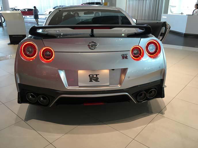 新型GT-Rのリヤビュー