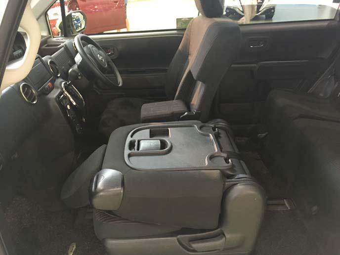 新型ポルテのフロントシート