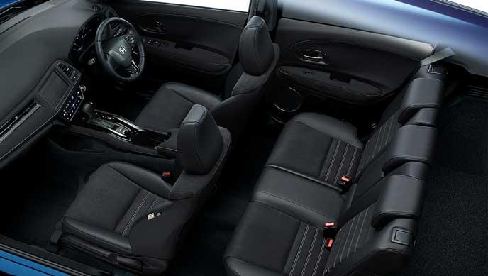 RS・Honda SENSINGグレードの内装