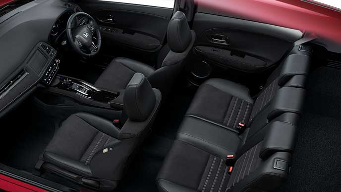 HYBRID RS・Honda SENSINGグレードの内装