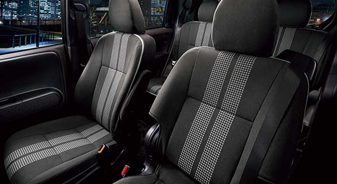 スペイド特別仕様車のシート