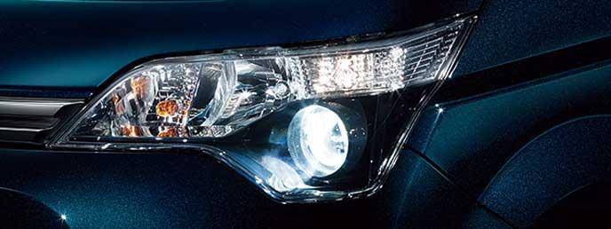 スペイド特別仕様車のヘッドライト