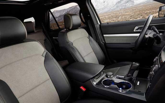 フォード エクスプローラー XLT エコブーストの内装