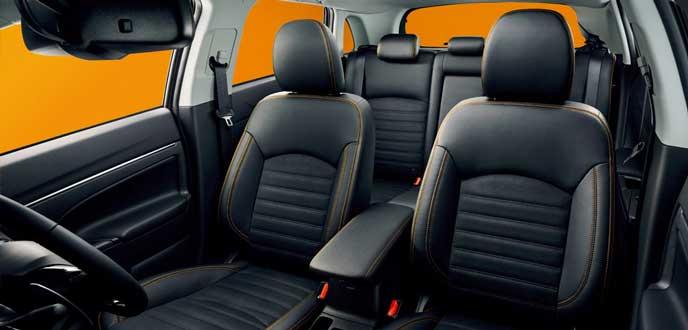RVR アクティブギア 4WDの内装