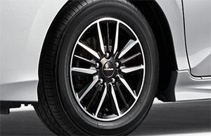 新型車「Modulo X」が標準装備している15インチ純正ホイール