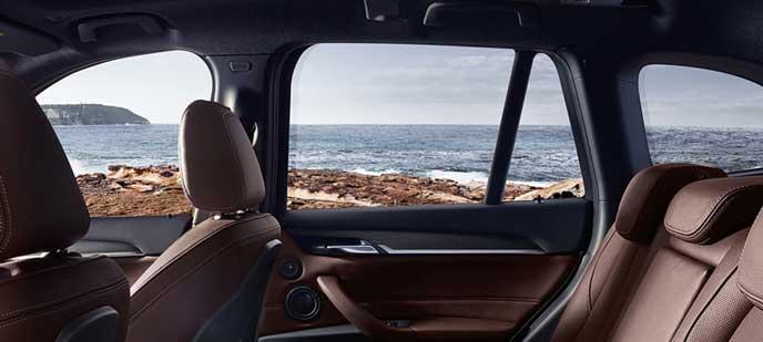 BMW X1 xDrive 18dの内装