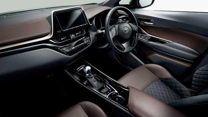 トヨタ C-HR Gの内装
