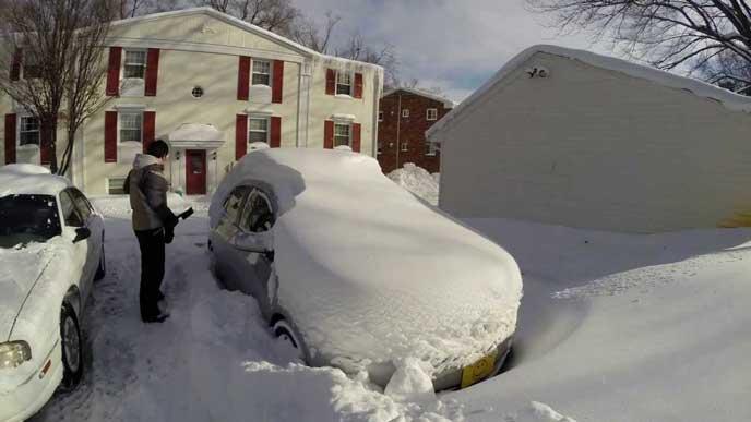 雪が積もり困るドライバー