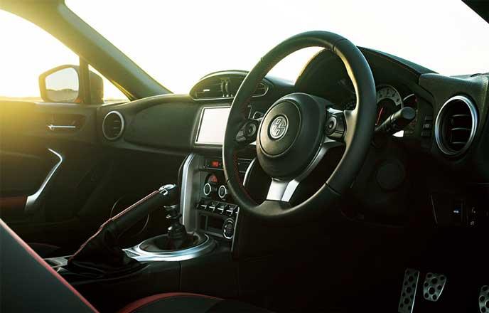 86 GT 6MTの内装