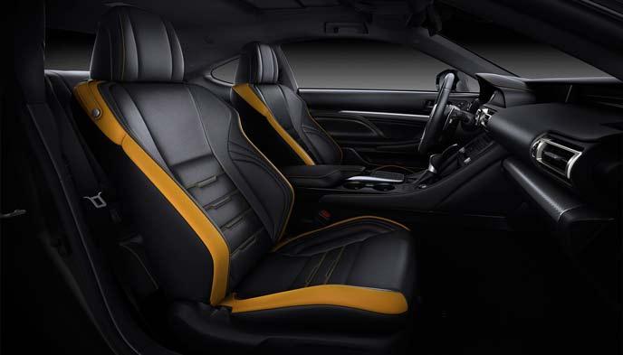 新型RCのブラック&アクセントマスタードイエローの内装