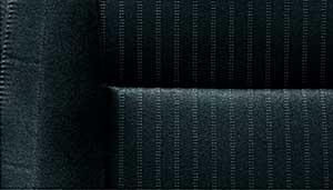 パジェロのシート素材「ブラック スエードファブリック(ストライブ柄)」