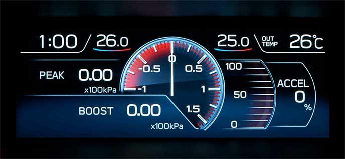 レヴォーグ2.0L車に搭載されるマルチファンクションディスプレイのブースト画面