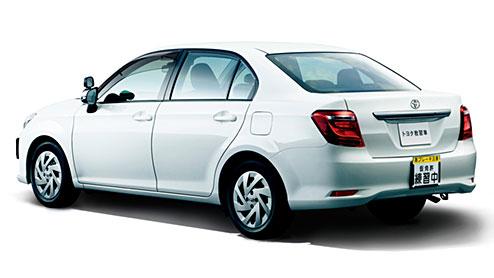 トヨタの新型教習車が発売~運転サポート設計と装備が充実