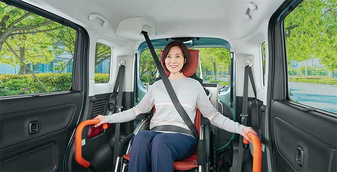 スペーシア車いす移動車の3点式シートベルト