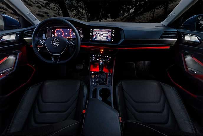 VWジェッタ室内の赤色イルミネーション
