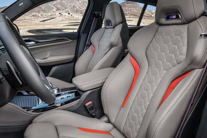 BMWX4Mのインテリア