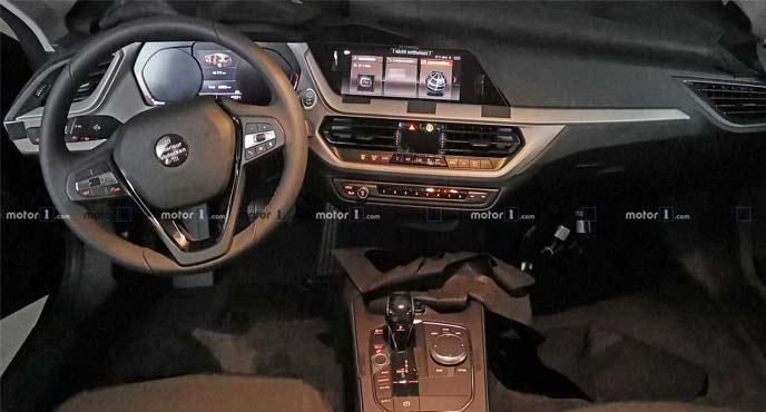 BMW1シリーズの最新プロトタイプのインテリア