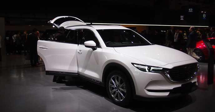 新型CX-8の展示車