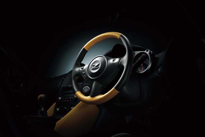 フェアレディZ ヘリテージエディションのステアリング