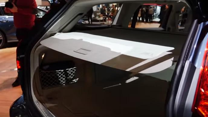 新型V60のトノカバー