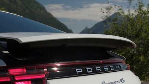 リアスポイラーとは?設置効果を86などの車種別商品で比較