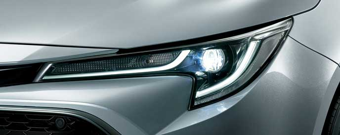 新型カローラスポーツのBi-Beam LEDヘッドライト