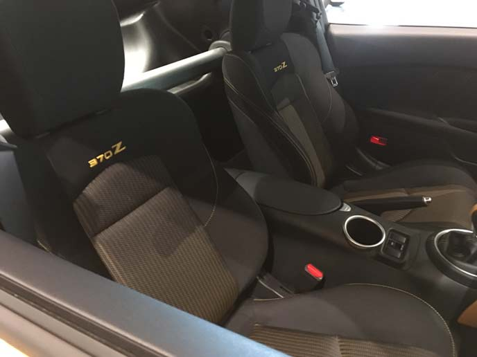 フェアレディZ ヘリテージエディションのフロントシート