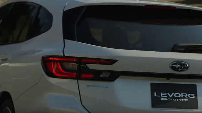新型レヴォーグプロトタイプSTI Sportのエクステリア