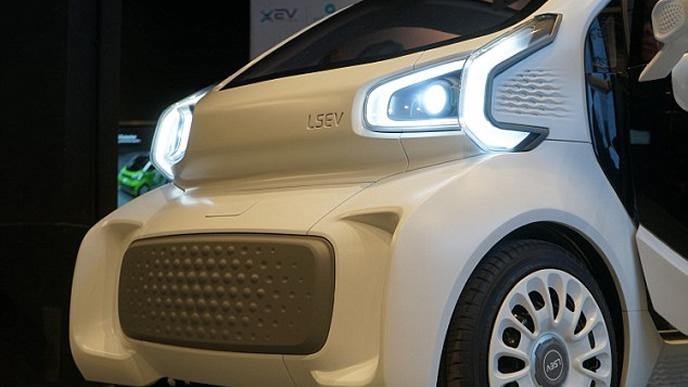 LSEVのヘッドライト