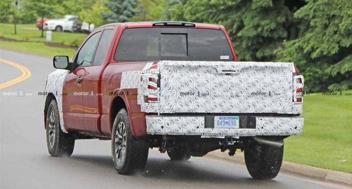 日産のフルサイズピックアップトラック 新型「タイタン」の開発車両