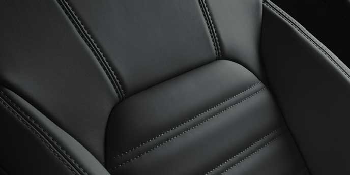 ブラックの内装色の新型ステルヴィオ