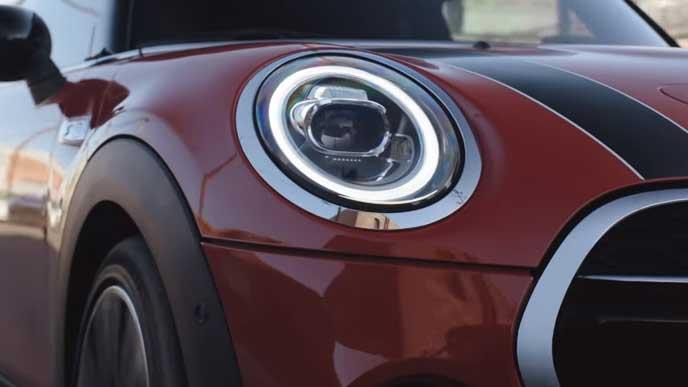 新型ミニのヘッドライト